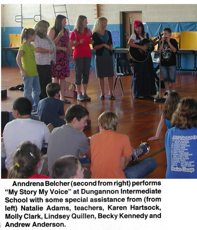 Anndrena Belcher leading a workshop at Dungannon Intermediate School